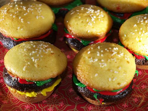 cheeseburger-cupcake